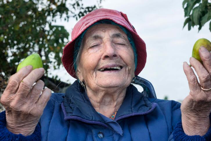 Zdjęcie wdzięcznej babci